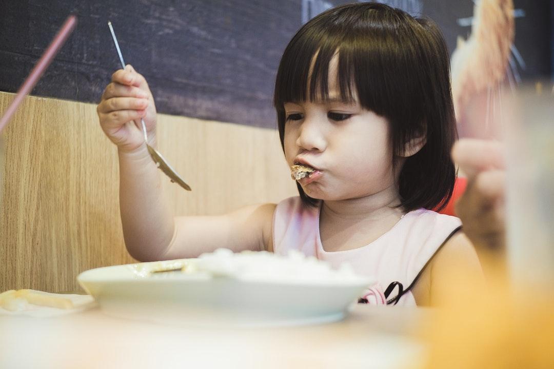 小朋友不吃飯怎麼辦?